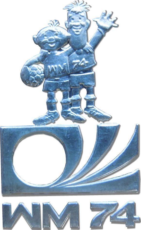 Maskottchen aus der zehnten Fußball Weltmeisterschaft in Deutschland, Gewinner 1974. Deutsche Elf mit Franz Beckenbauer.