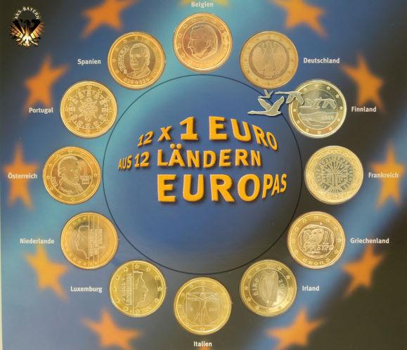 Auf dem Bild zu sehen, die Bildseiten / Motive der 1 Euro Münzen der 12 Euro Basisstaaten im Münzengerl Münzarchiv